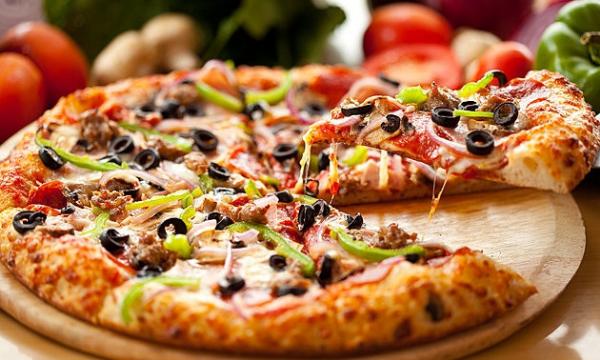 Món Pizza quá quen thuộc